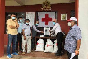 रेडक्रस सोसाईटी पाल्पाले अस्पताललाई  कोभिड उपचार र सुरक्षाका सामग्रीहरू हस्तान्तरण